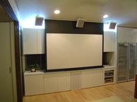 白を基調とした新築リビングシアター