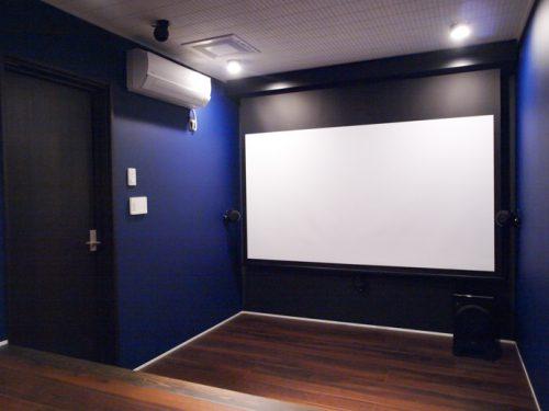 ホームシアターインストーラーの仕事199~青い壁が印象的なアトモスシアター